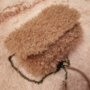 Handbags - 🐻Fluffy tedddy bear cross body bag